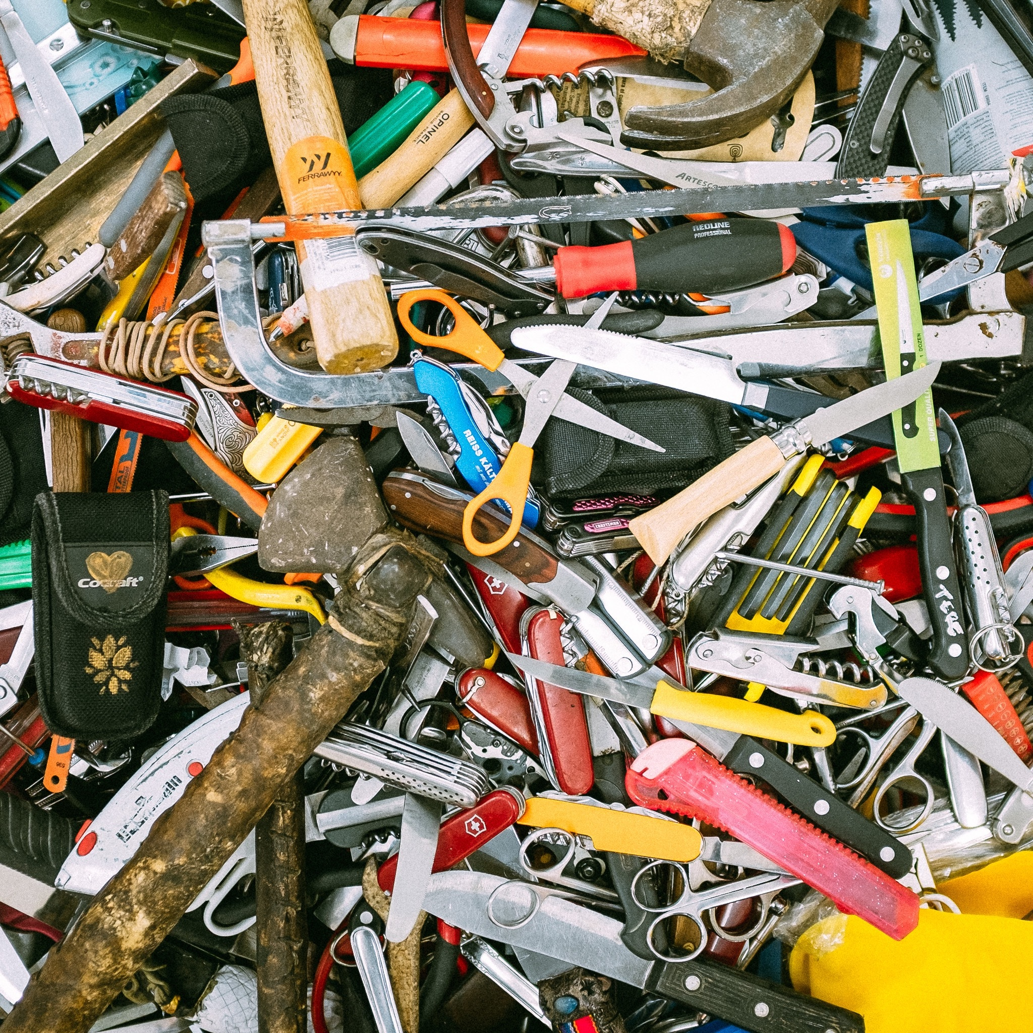 Mid-Missouri Hoarding Cleanup Photo by Ashim D'Silva on Unsplash