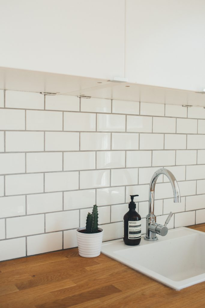 kitchen tiles grout cleaning